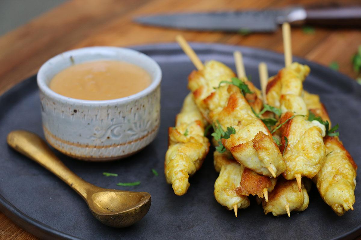 recette brochettes de poulet satay sauce cacahu 232 tes