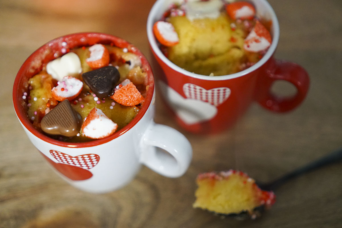 Recette mug cake chocolat blanc fraise tagada - Herve cuisine cake chocolat ...